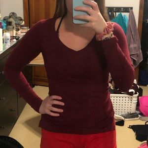 Kohl's So Dark Red Long Sleeve V-neck Size XS